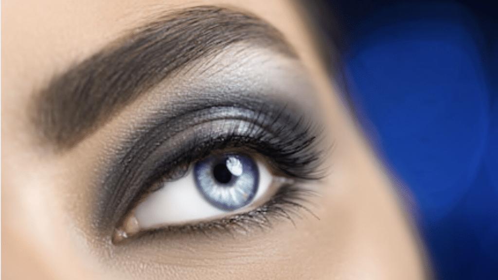 Smoky Eyes oeil bleu