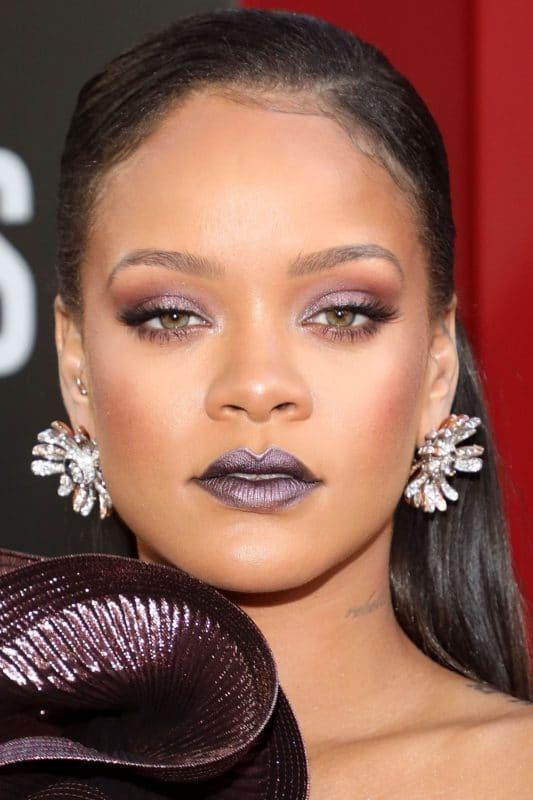 Rihanna yeux vert