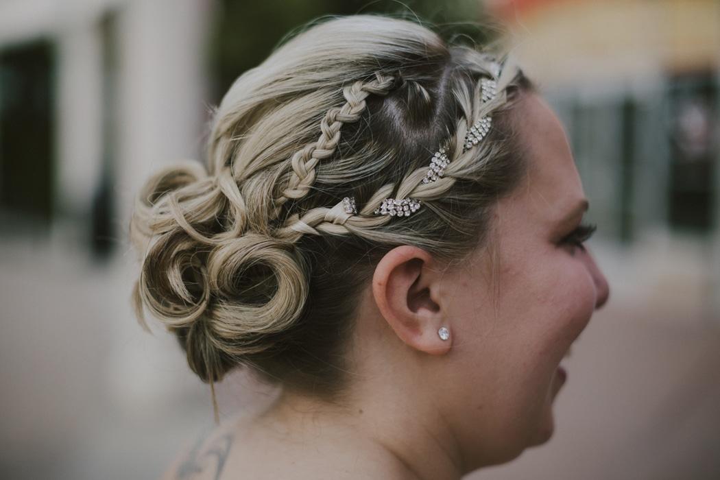 Quelle coiffure de mariage adopter quand on a le visage rond ?