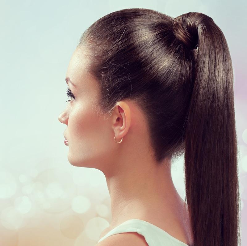 coiffure cheveux attachés