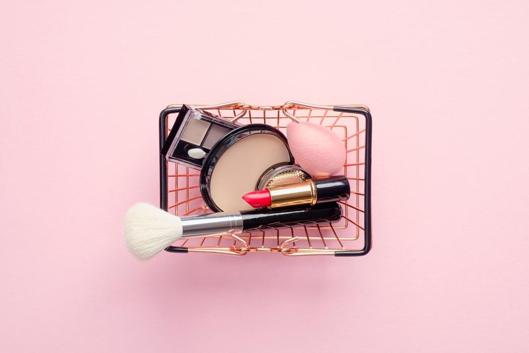 paniers en fil de fer ou en osier maquillage
