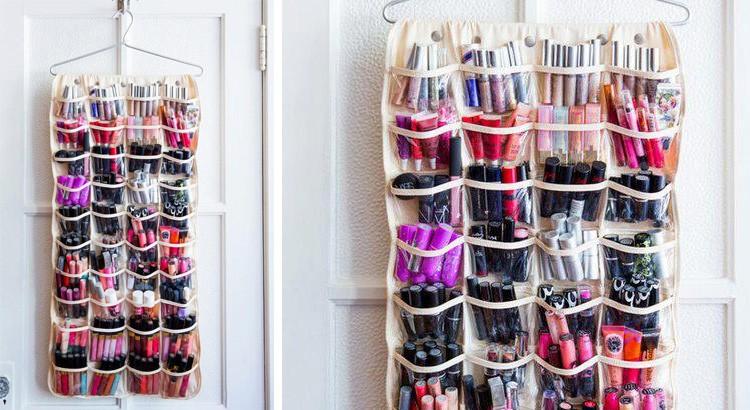 rangement à chaussures mural maquillage