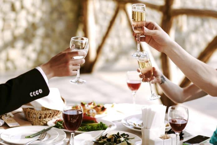 Comment accorder mets et vins lors d'un repas de mariage ?