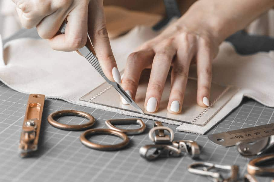 DIY : comment coudre des matières épaisses pour confectionner des accessoires ou des vêtements ?