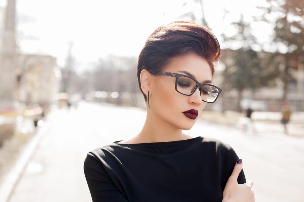 idées coiffures stylées pour travailler