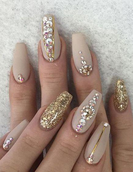 nail art bijoux