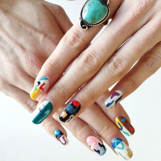 tendance de nail art abstrait