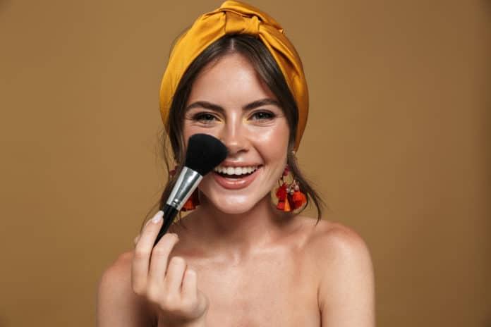 8 astuces pour nettoyer ses pinceaux à maquillage