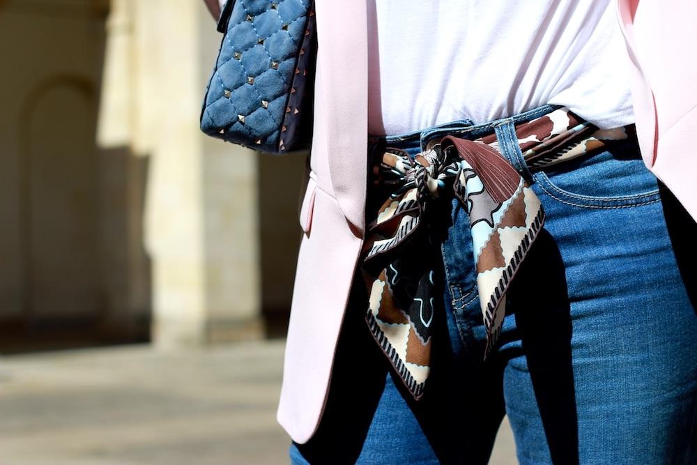 nouer-foulard-poignet
